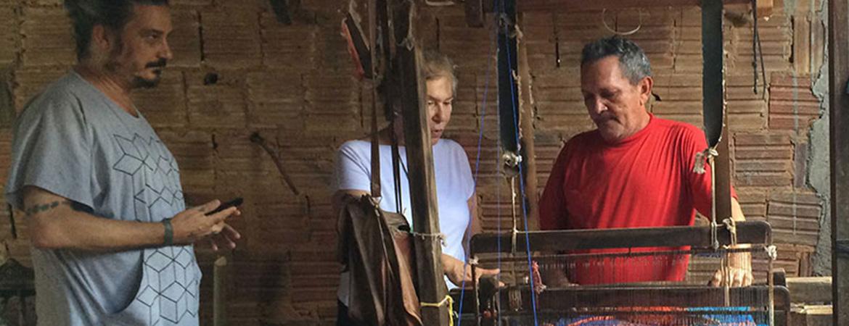 Estilista João Pimenta faz visita técnica à fábrica da Santa Luzia Redes e Decoração