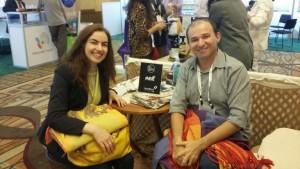 O CEO da Santa Luzia Redes e Decoração, Armando Dantas e a vice cônsul do Brasil em Los Angeles.
